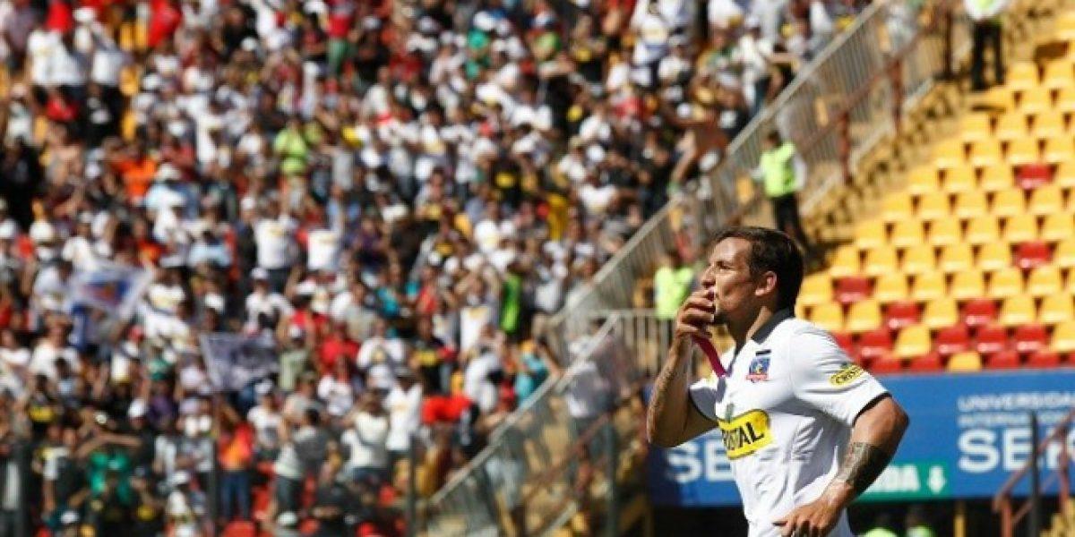 Emiliano Vecchio le da la bienvenida a sus nuevos compañeros en Colo Colo