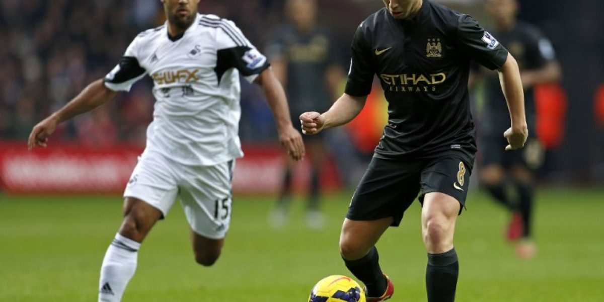 Manchester City recupera la punta tras vencer a Swansea