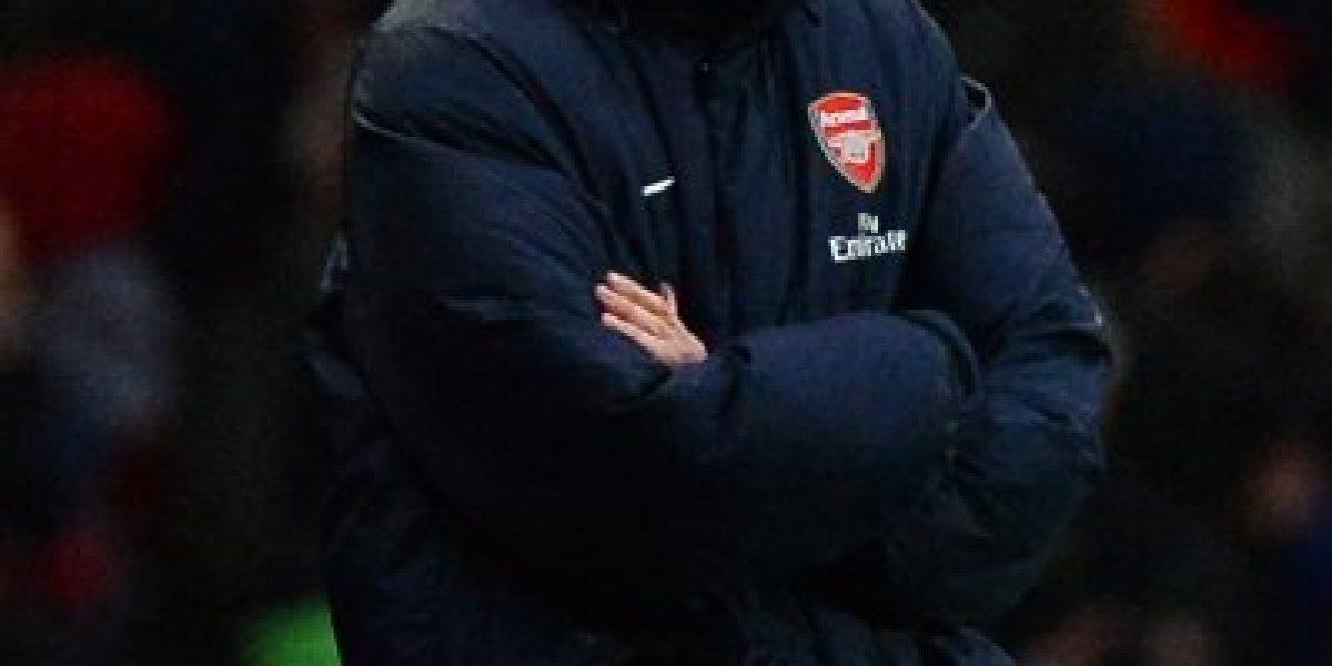 Arsenal derrotó al Cardiff y despojó al City de la cima