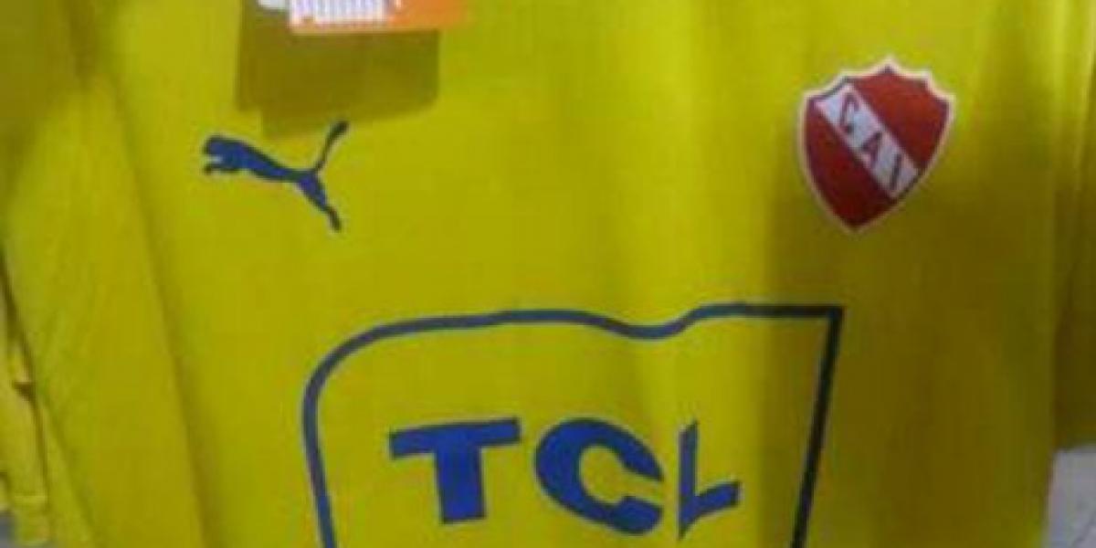 Independiente saca polémica camiseta para amistosos de verano