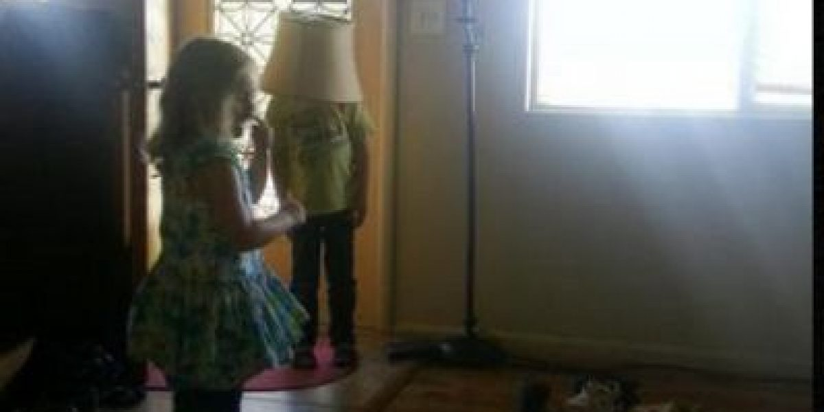 FOTOS: Cuando los niños son pésimos jugando a las escondidas
