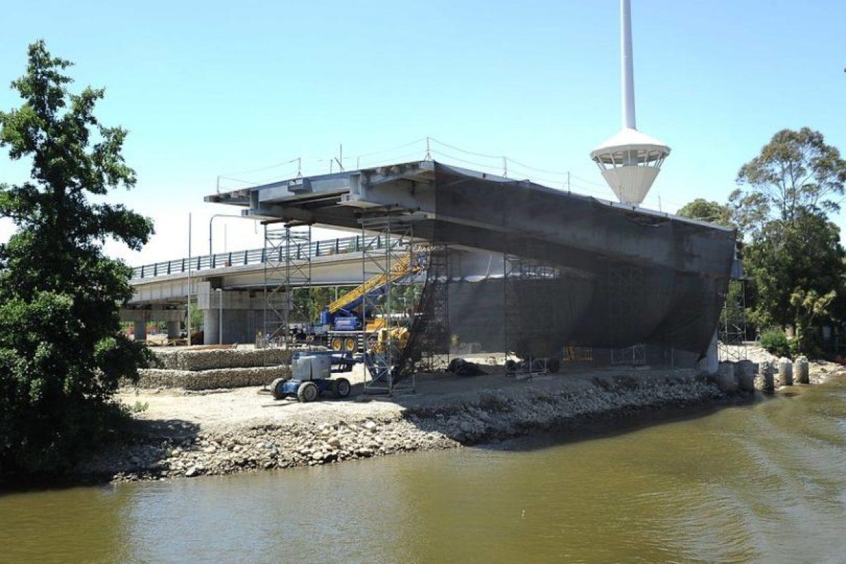 Imágenes del controvertido puente Cau Cau Foto:Agencia Uno. Imagen Por: