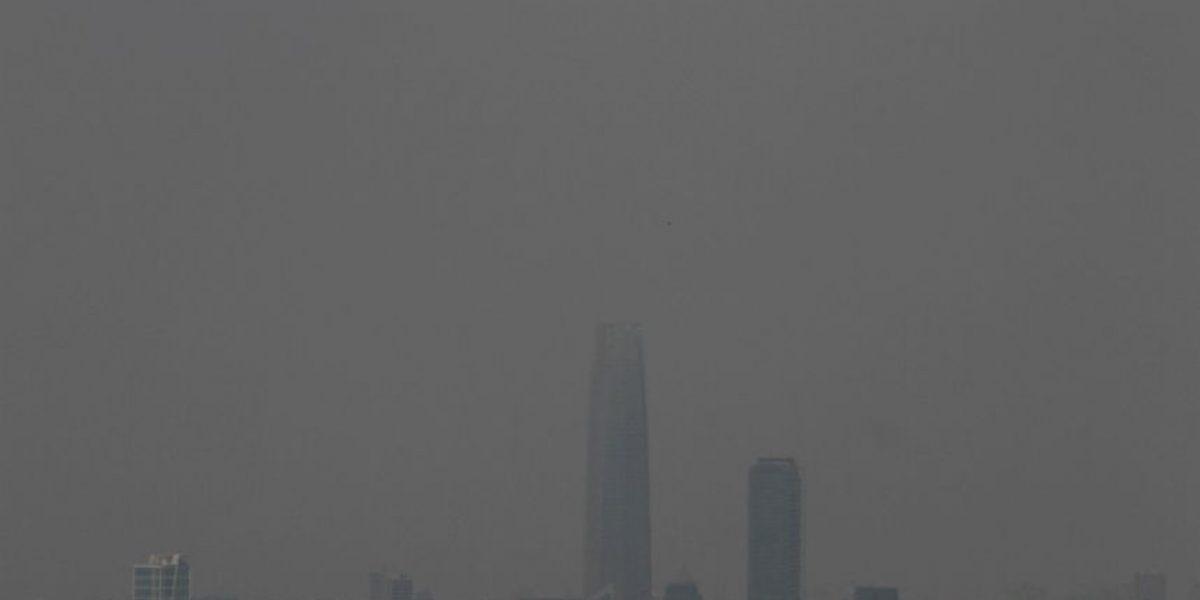 [FOTOS] Densa nube de humo vuelve a cubrir Santiago por reactivación de incendios