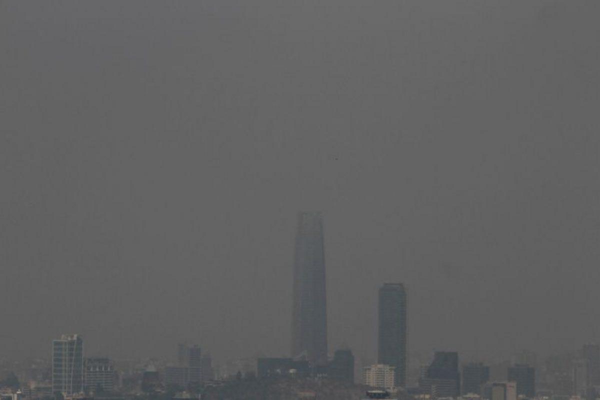 Un rebrote del incendio forestal de Melipilla, amenaza viviendas del sector El Turco y El Cajón de la Magdalena, en las cercanías del puerto de San Antonio. Foto:Agencia Uno. Imagen Por: