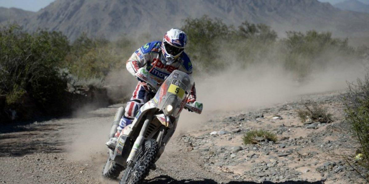 Francisco López llegó segundo en la cuarta etapa y presiona al líder del Dakar