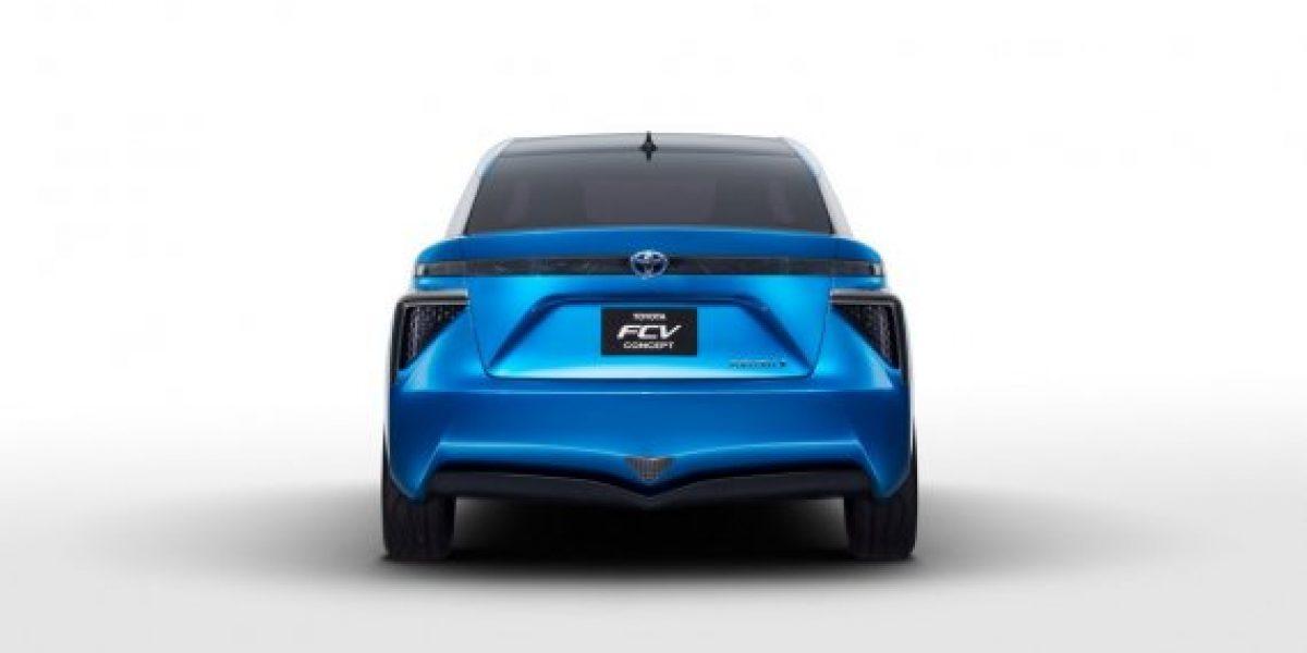 El Toyota que funciona con células de hidrógeno estaría listo en 2015