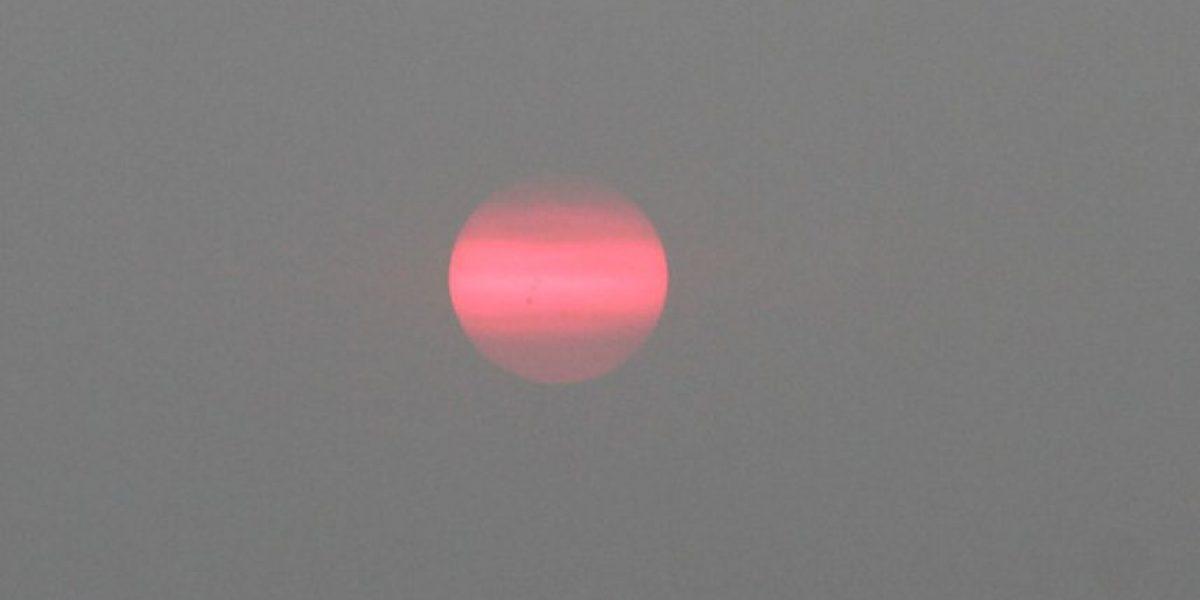 [FOTOS] Espectacular efecto visual causó en el Sol el humo que afectó a la capital por incendios