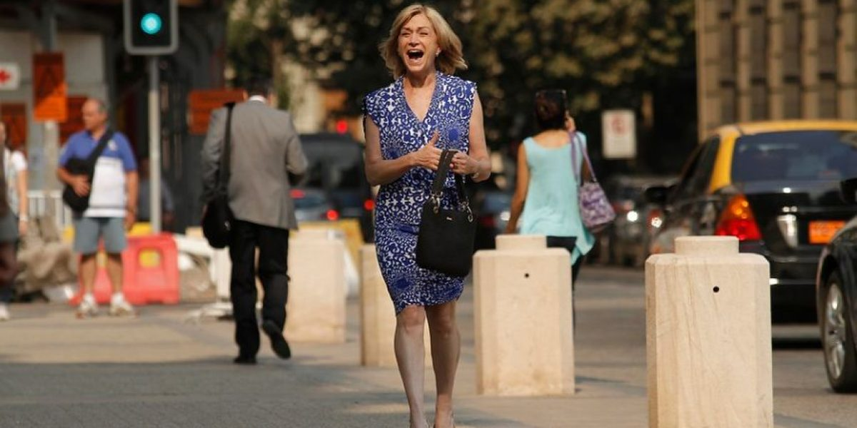 [FOTOS] Sonriente y relajada reapareció Evelyn Matthei tras sus vacaciones