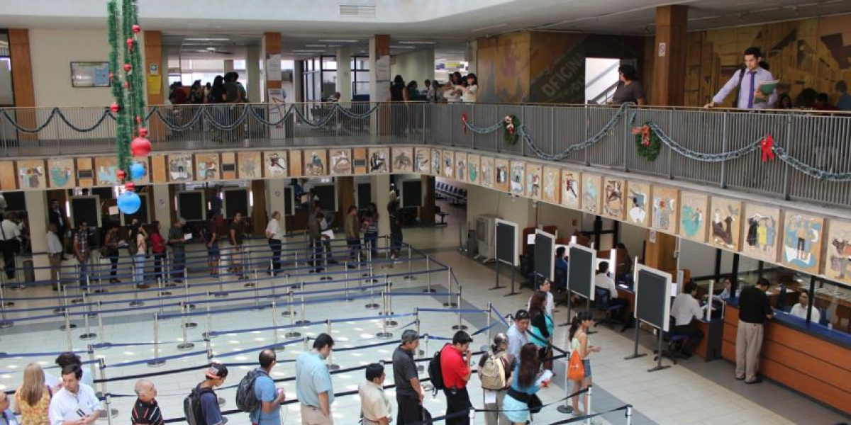 Vuelve a la normalidad el servicio en el Registro Civil de Santiago