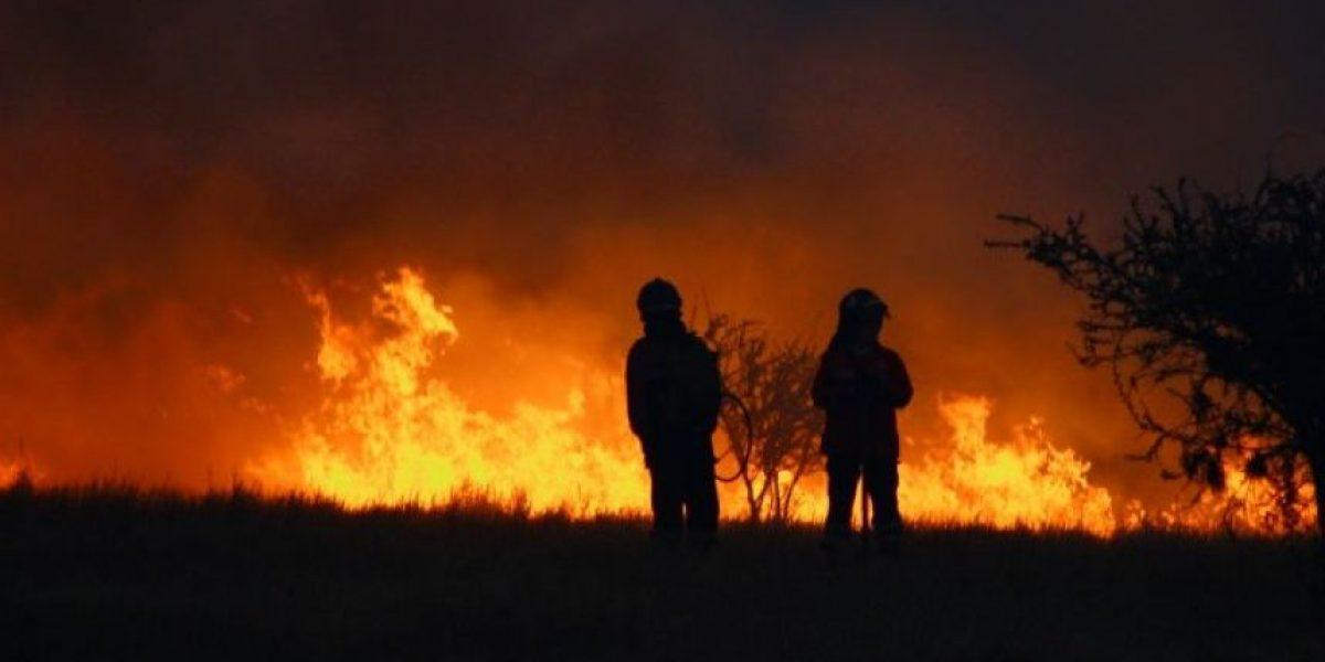 Así vivieron dos bomberos el voraz incendio de Rinconada