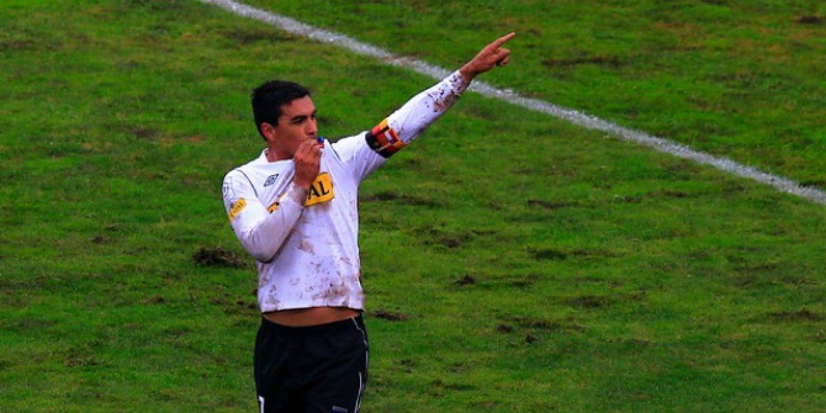 ¡Confirmado! Esteban Paredes será presentado este lunes en Colo Colo