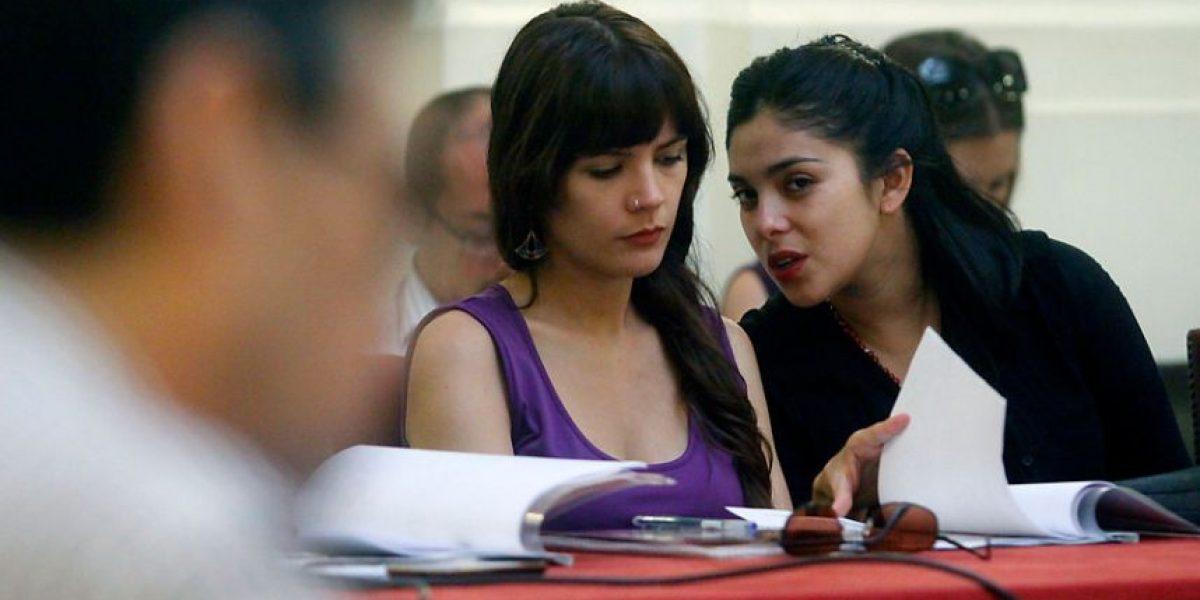 [fotos] Camila Vallejo y Karol Cariola se reúnen con representantes de la sociedad civil