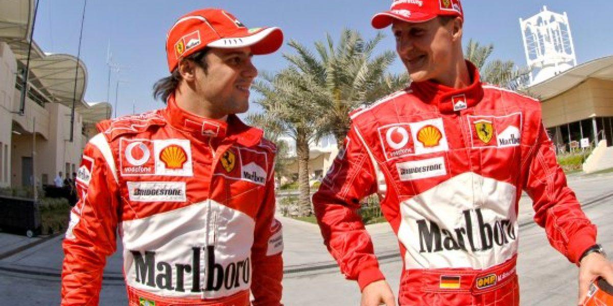 Piloto Felipe Massa rinde homenaje a Michael Schumacher