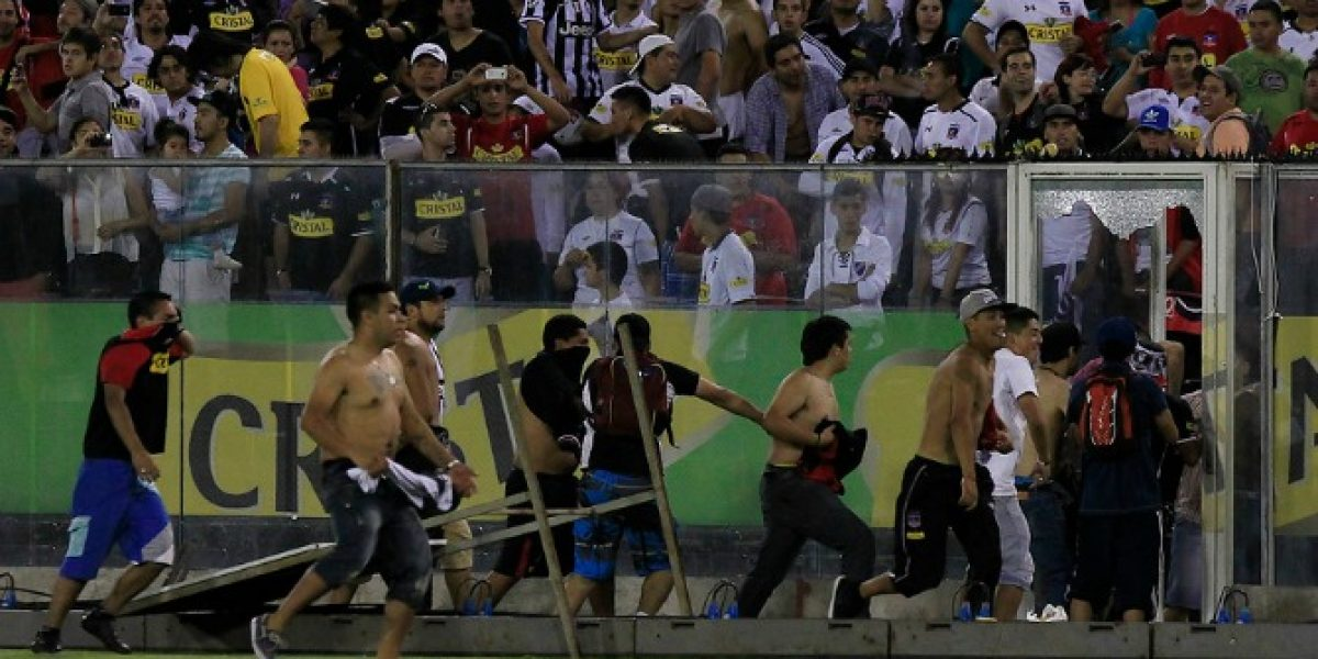 Incidentes empañan partido entre Colo Colo y Antofagasta