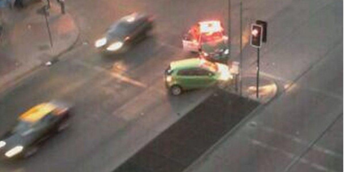FOTOS: Patrulla de Carabineros protagonizó accidente de tránsito en Gran Avenida