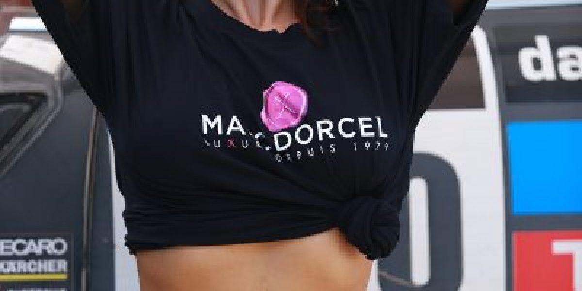 Imperdible: actriz porno revolucionó el Dakar con sexy lavado de auto
