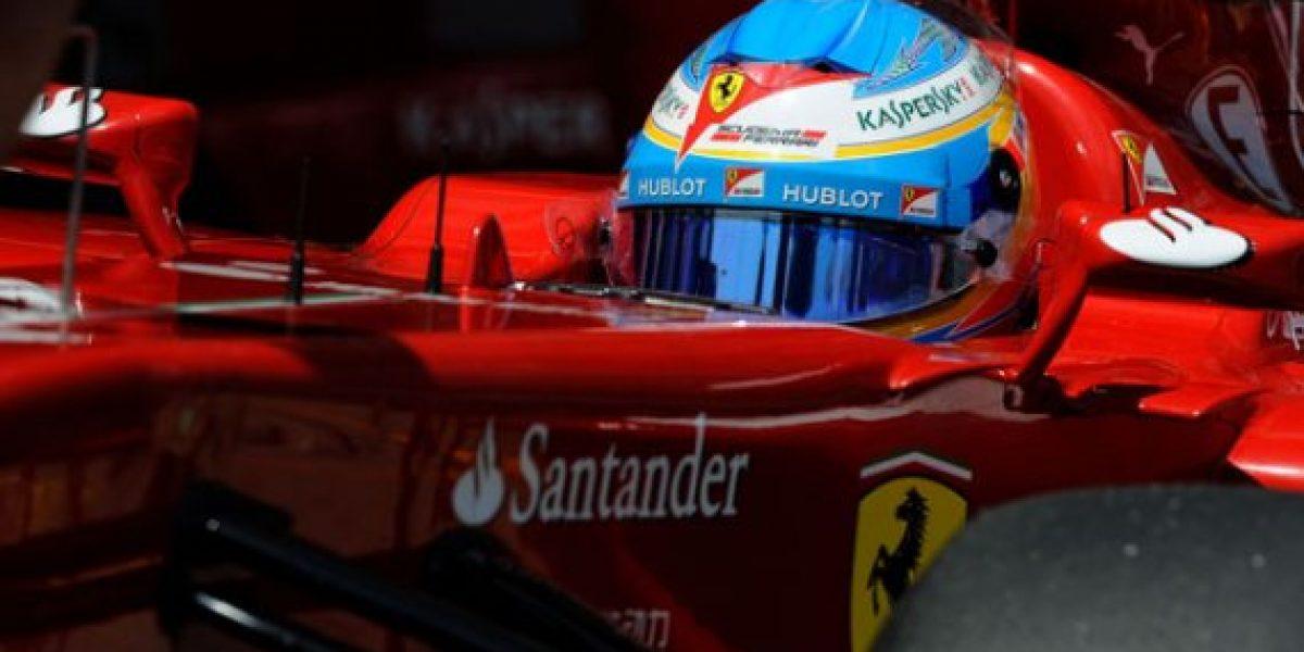 Fernando Alonso dio a conocer el casco que usará para competir