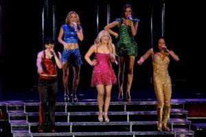 Después de separarse en el año 2000, las Spice Girls se reunieron por primera vez en diciembre de 2007 para su gira titulada The Return of the Spice Girls, que les ganó 107.2 millones de dólares. Foto:Wikipedia. Imagen Por: