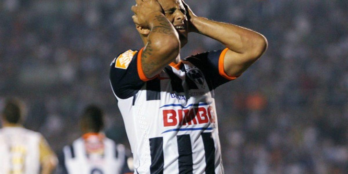 Humberto Suazo fue operado con éxito tras su grave lesión en su hombro