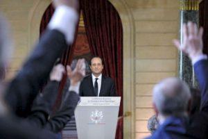 El presidente francés, Francois Hollande, el 14 de enero de 2014, durante su primera aparición pública desde que la noticia de su supuesto romance con una actriz francesa se hizo pública. Foto:AFP. Imagen Por: