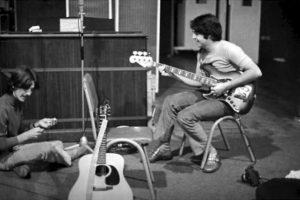 Estrellas contemporáneas como Foo Fighters, el cantante John Mayer y Annie Lennox también subirán al escenario para interpretar sus propias versiones de las canciones más reconocibles del grupo Foto:Tumblr. Imagen Por: