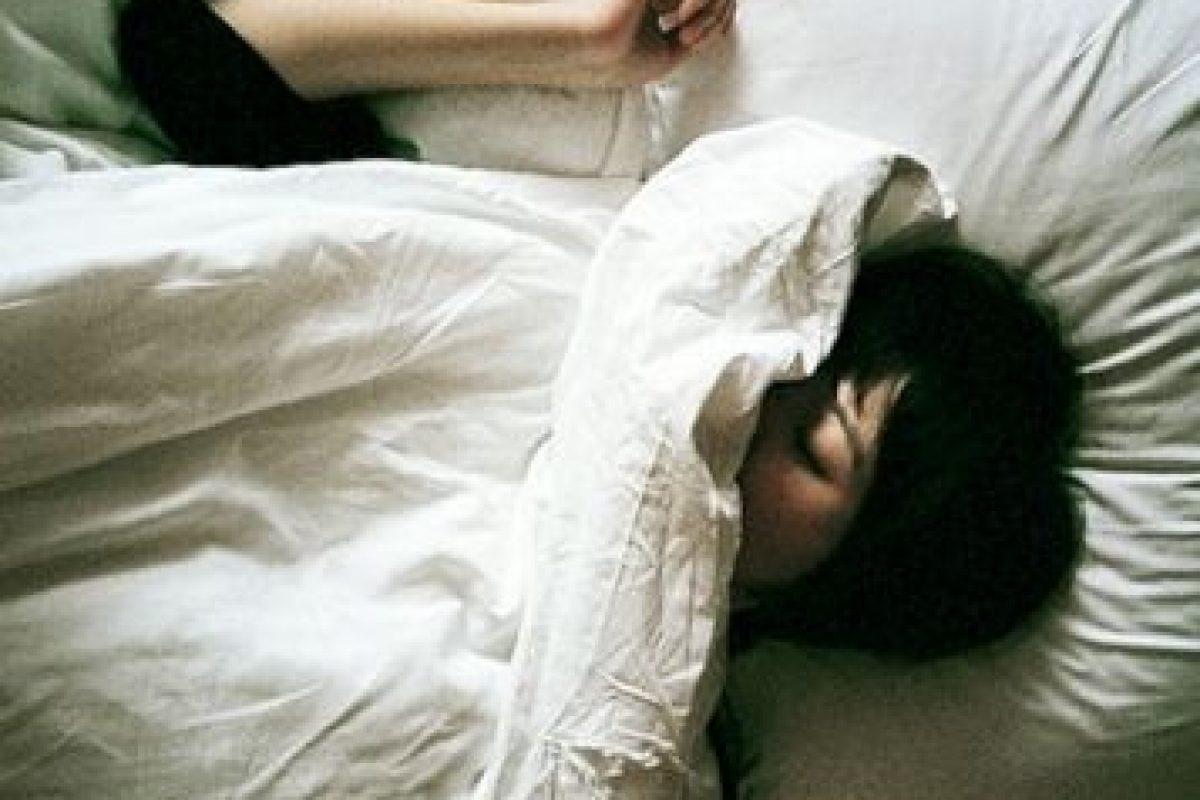 Dormir y despertar siempre a lamisma hora; esto crea un ritmo positivo para el cuerpo(particularmente para el cutis). Foto:Tumblr. Imagen Por: