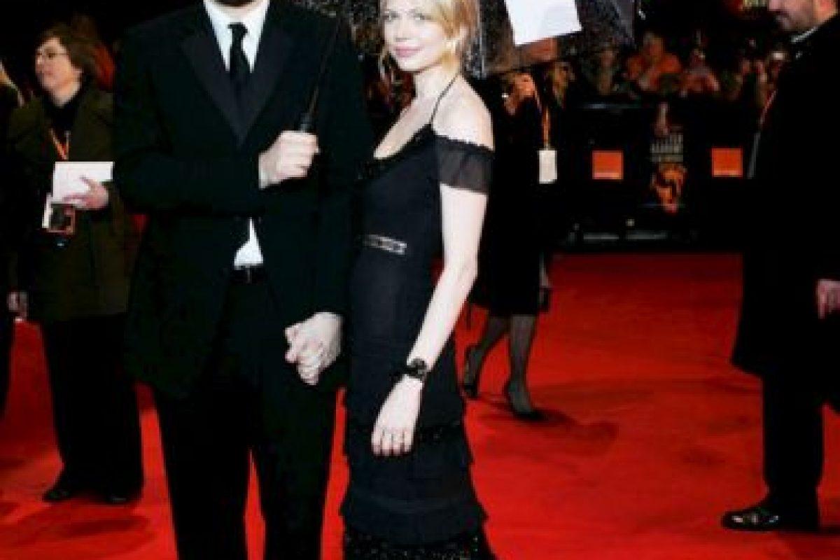 El actor con Michelle Williams, con quien tuvo una hija. Foto:Getty Images. Imagen Por:
