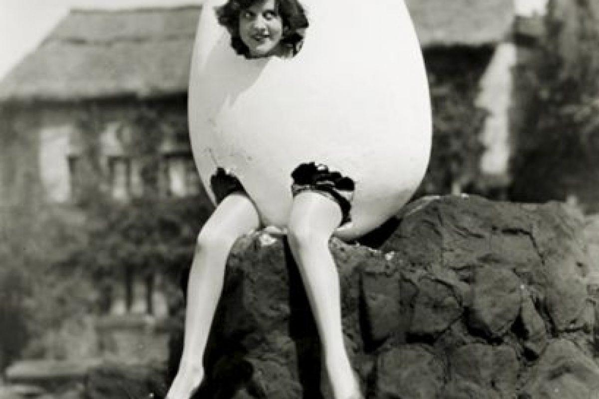 Dorothy Gulliver en una foto publicitaria para The Collegians Foto:http://blackandwtf.tumblr.com/. Imagen Por: