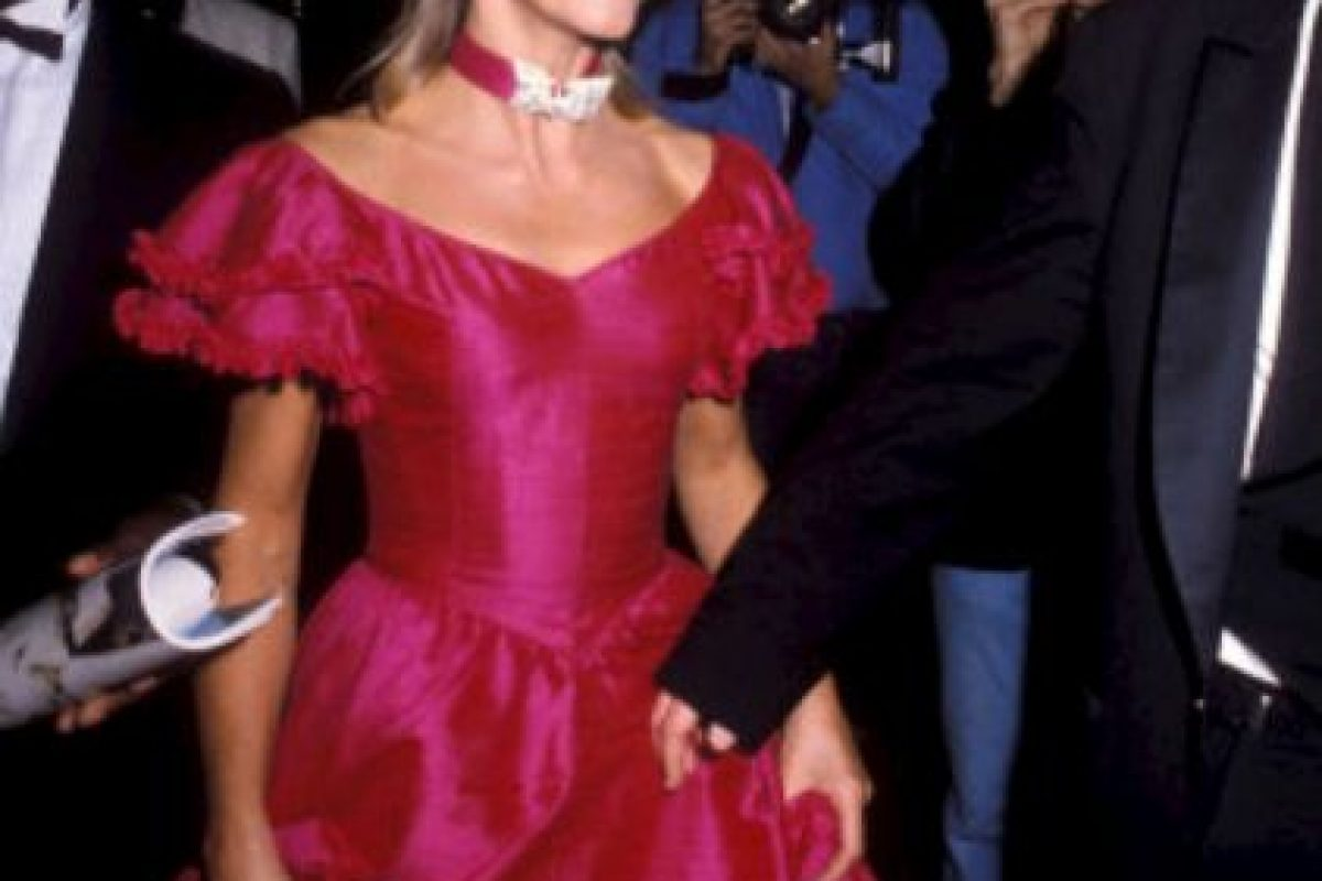 Olivia Newton-John, 1983 Foto:Stylelist. Imagen Por: