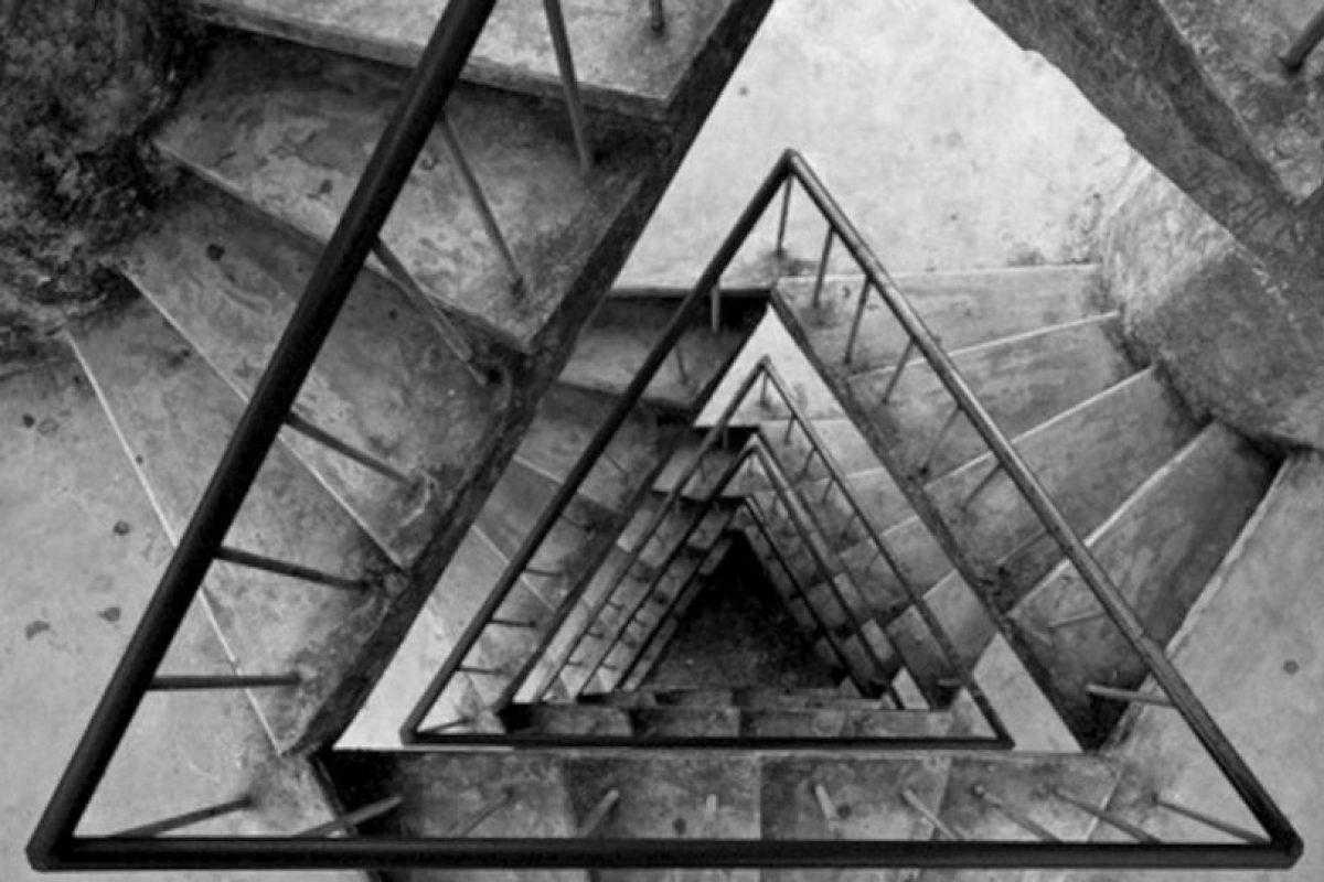 Comenzar con poco es mejor. Si trabajan en un edificio de 10 pisos, suban ocho a bordo del elevador y caminen el resto. Poco a poco aumenten la cantidad de escaleras. Foto:Tumblr. Imagen Por: