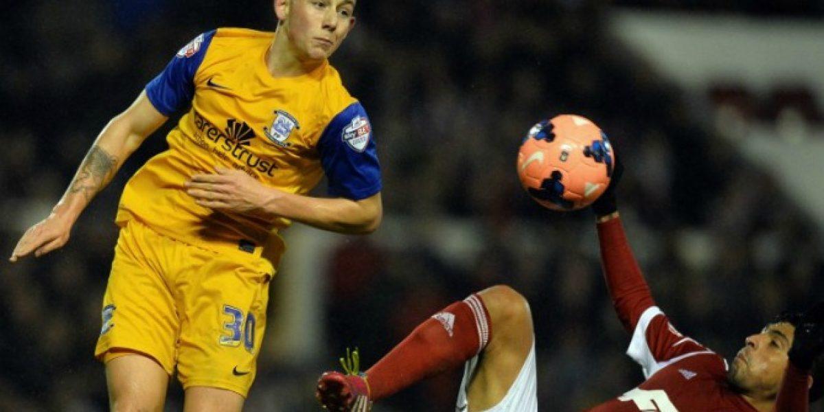 Gonzalo Jara vio acción por Nottingham Forest en Copa FA