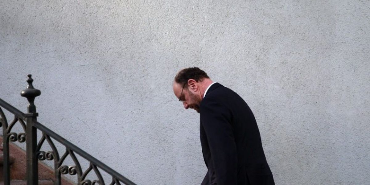 [FOTOS] Un serio canciller Moreno llegó a La Moneda para conocer fallo de La Haya