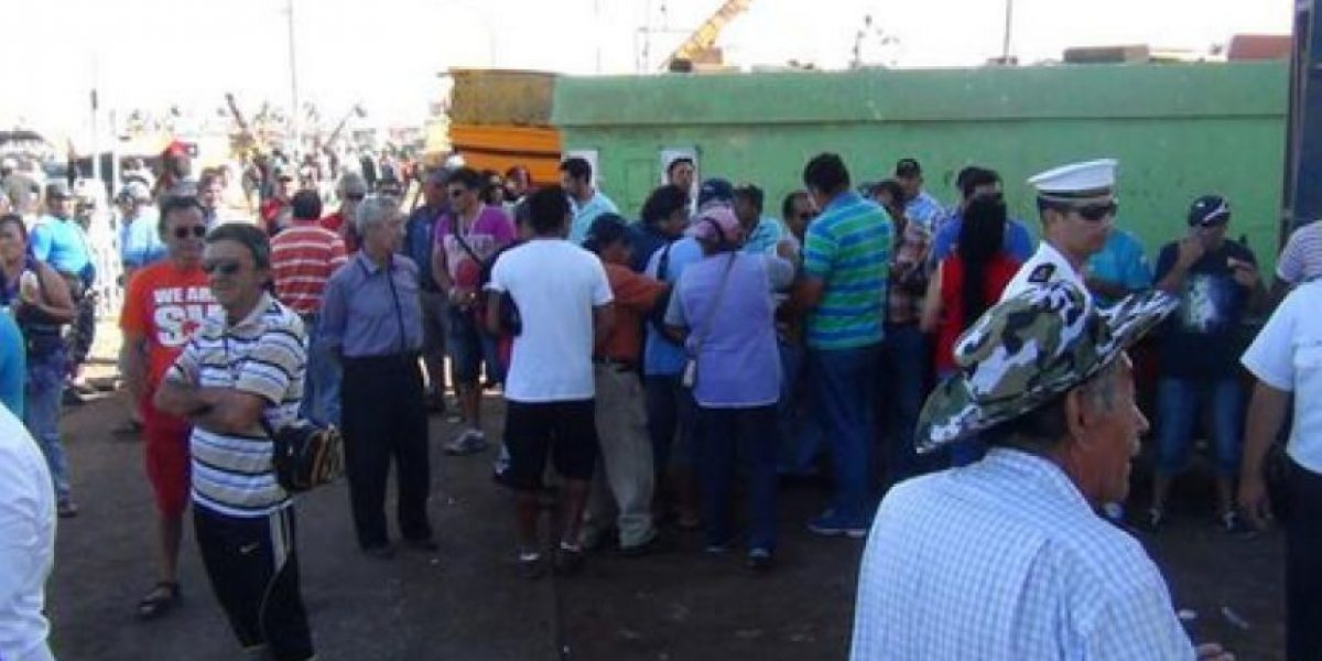 FOTOS: Pescadores se reúnen en Caleta de Arica para esperar fallo de La Haya