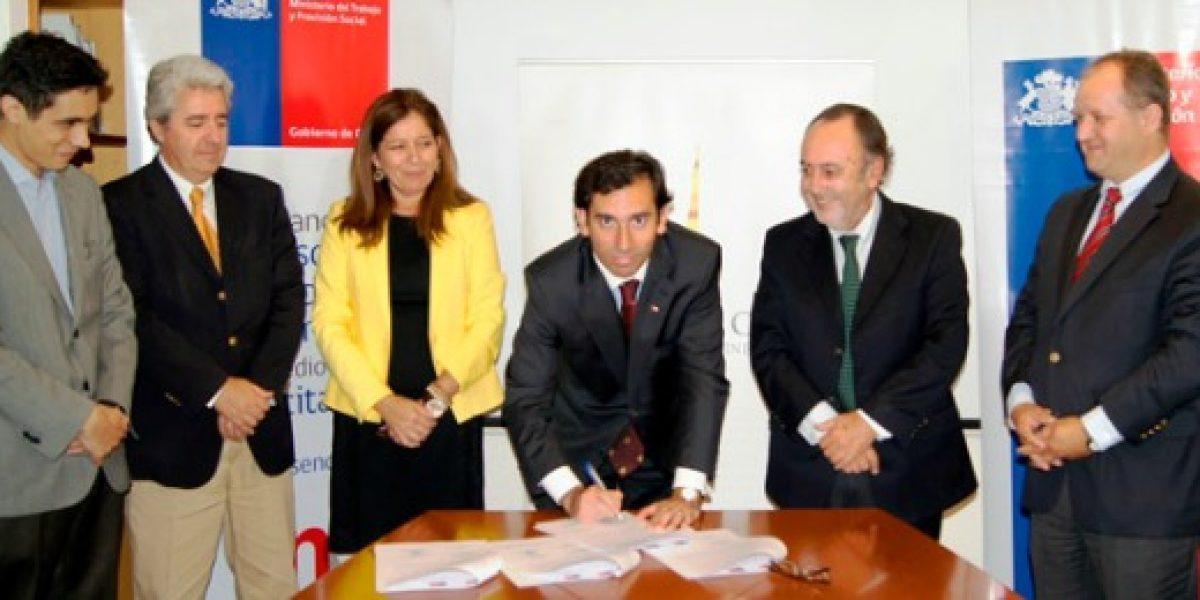 Subsecretaría del Trabajo, Sence y Asociación Gremial de Vinos firman convenio de cooperación