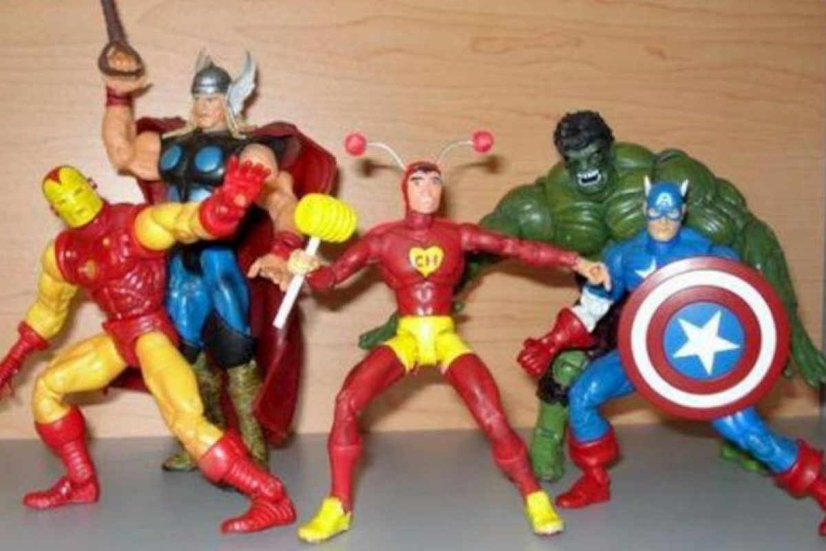 No importa contra quién lo pongan, el Chapulín sale a relucir (Aunque Iron man le copie los colores del traje). Foto:tumblr.com. Imagen Por: