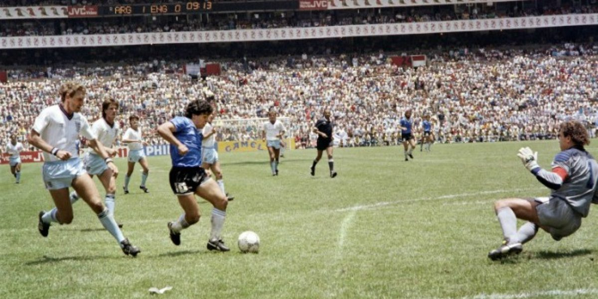 Desde otro ángulo: El inédito video del golazo de Maradona a Inglaterra