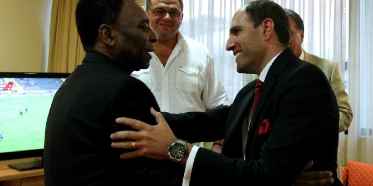 Jadue fue el encargado de despedir a Pelé tras su viaje a Rapa Nui