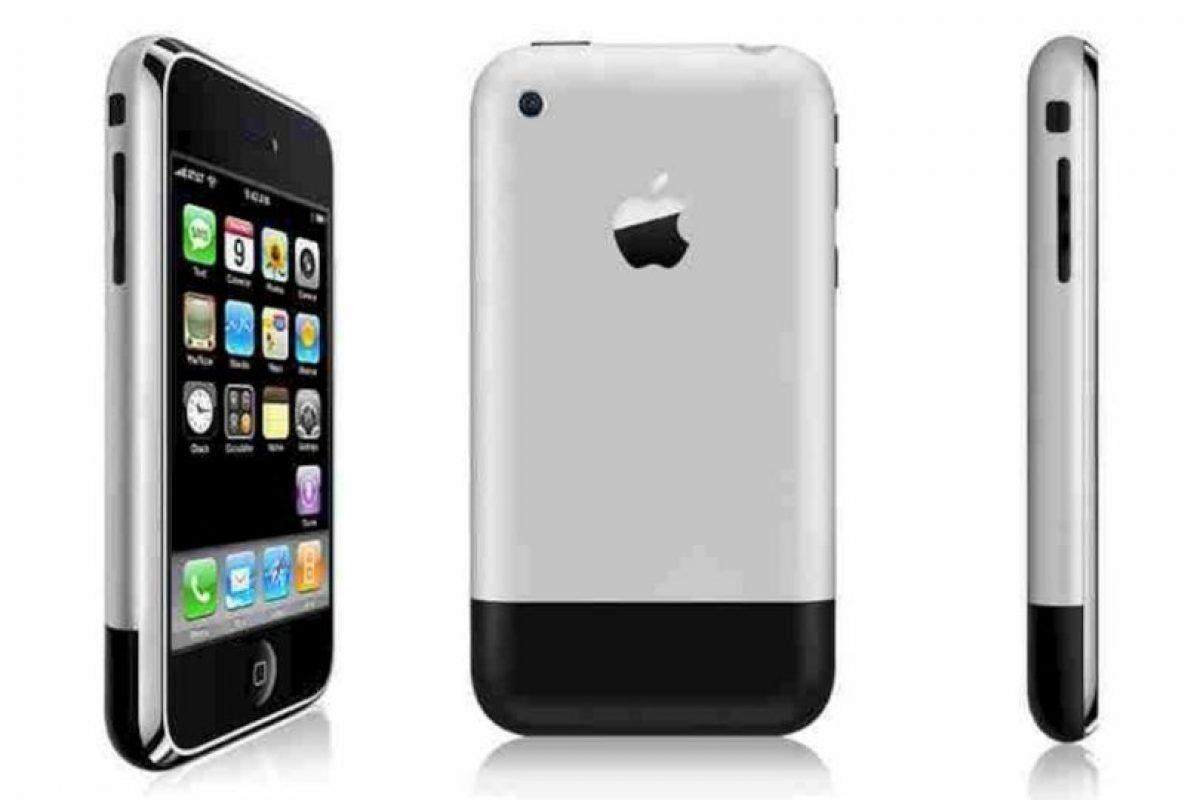 iPhone (2006) Foto:Apple. Imagen Por: