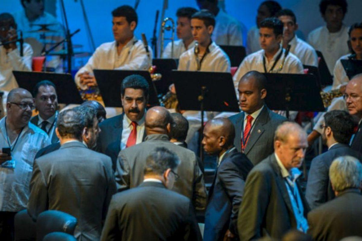 El presidente de Venezuela, Nicolás Maduro, habla con sus homólogos y Ministros de Relaciones Exteriores Foto:AFP. Imagen Por: