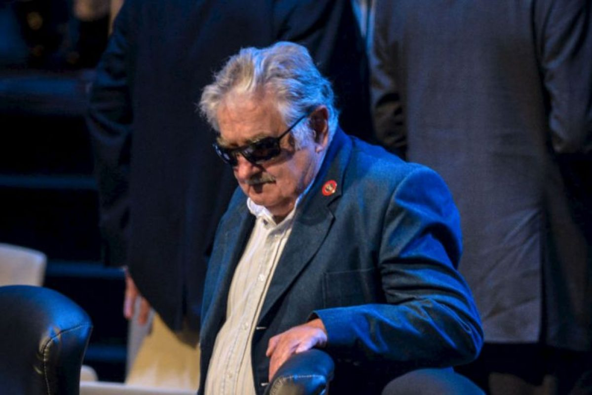 El presidente de Uruguay, José Mujica llega a la ceremonia de apertura de la Celac. Foto:AFP. Imagen Por:
