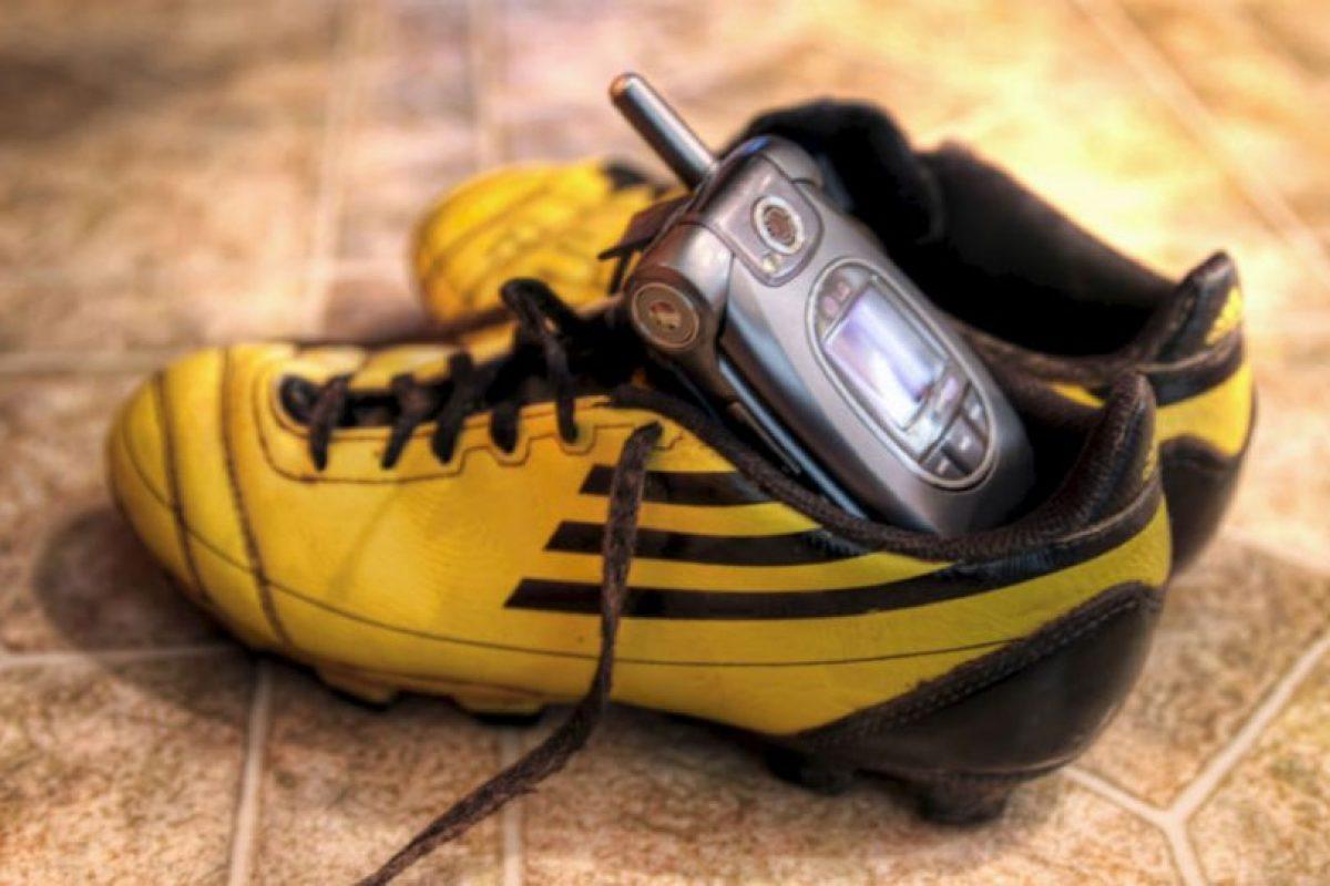 El celular se esconde en lugares recónditos. Foto:Tumblr.com. Imagen Por: