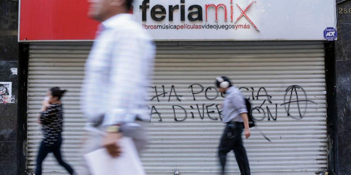 [FOTOS] Quiebra: Emblemática tienda Feria Mix amaneció con sus puertas cerradas