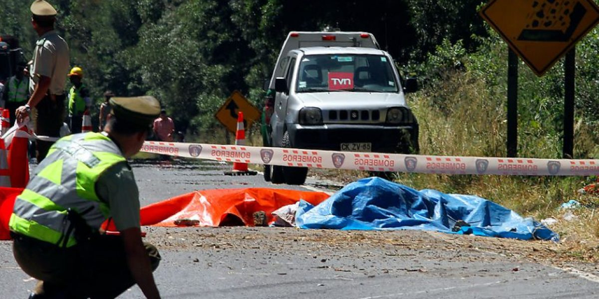 Dos personas mueren en accidente vehicular en Ruta de la Madera