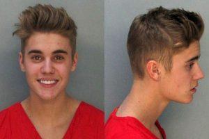 Justin Bieber es arrestado por conducir borracho, mientras participa en carreras ilegales. El cantante manejaba un Ferrari 458 Italia, en Miami. Bieber no pasó la prueba de alcohol. Luego, los exámenes de sangre arrojaron que había consumido marihuana. Foto:AFP image. Imagen Por: