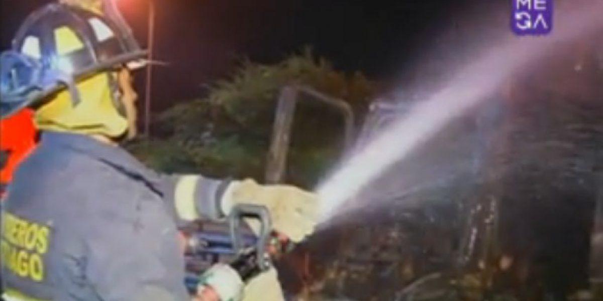 Camión recolector de basura resultó completamente quemado en Renca