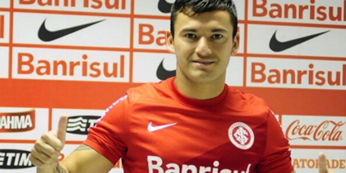 Charles Aránguiz podría debutar este domingo en el Inter de Porto Alegre