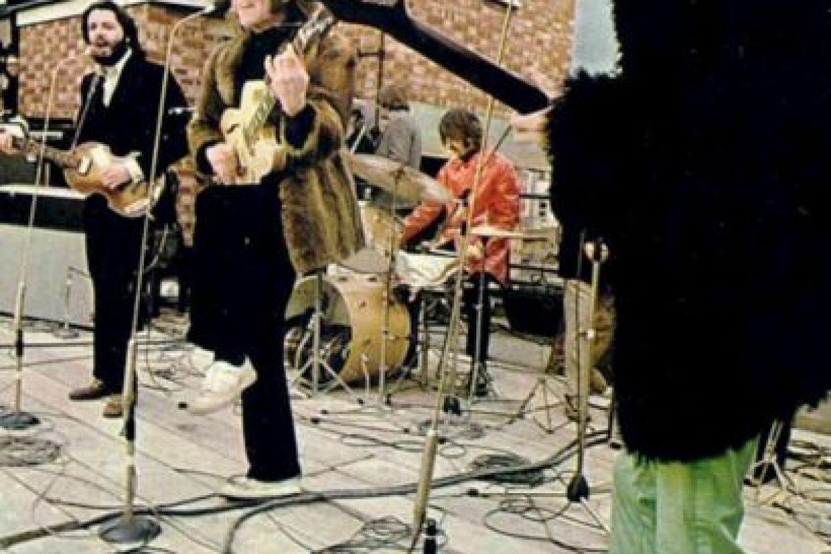30 de enero de 1969, se graba el final de la película Let it Be. The Beatles solamente interpretan temas del disco que saldría año y medio despues. Foto:tumblr.com. Imagen Por: