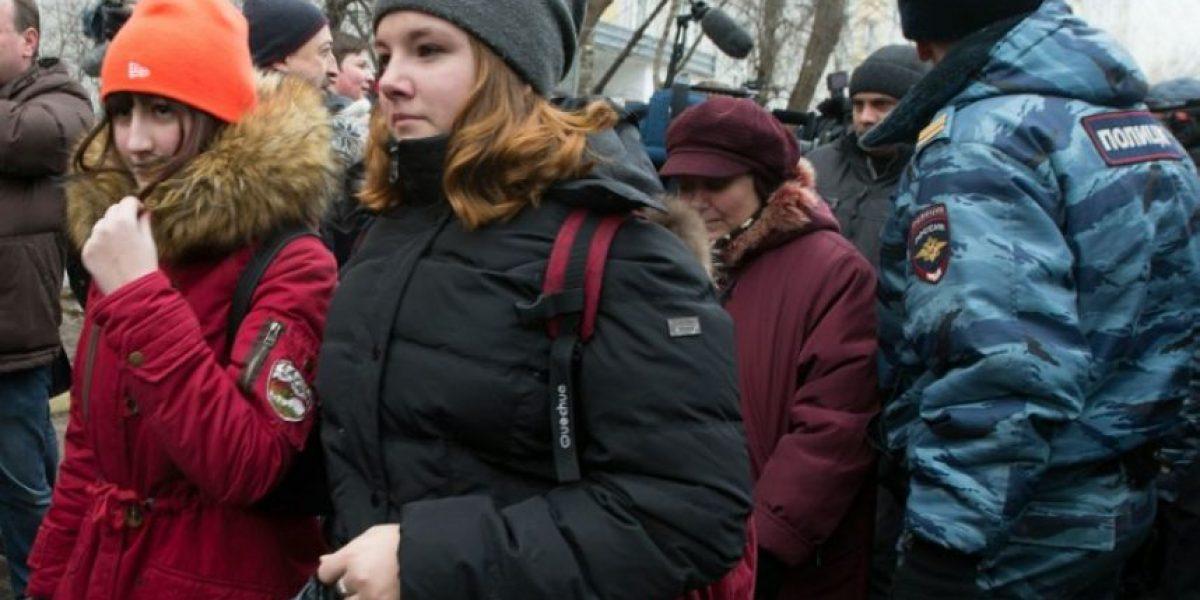 Horror en Moscú: Adolescente armado mató a dos personas en una escuela