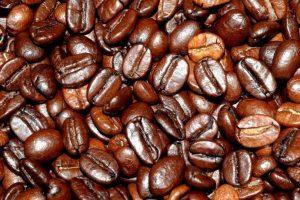 El café no causa mal aliento. Con lo que debemos tener cuidado es con el azúcar y lácteos que lo combinemos. Foto:Wikipedia image. Imagen Por: