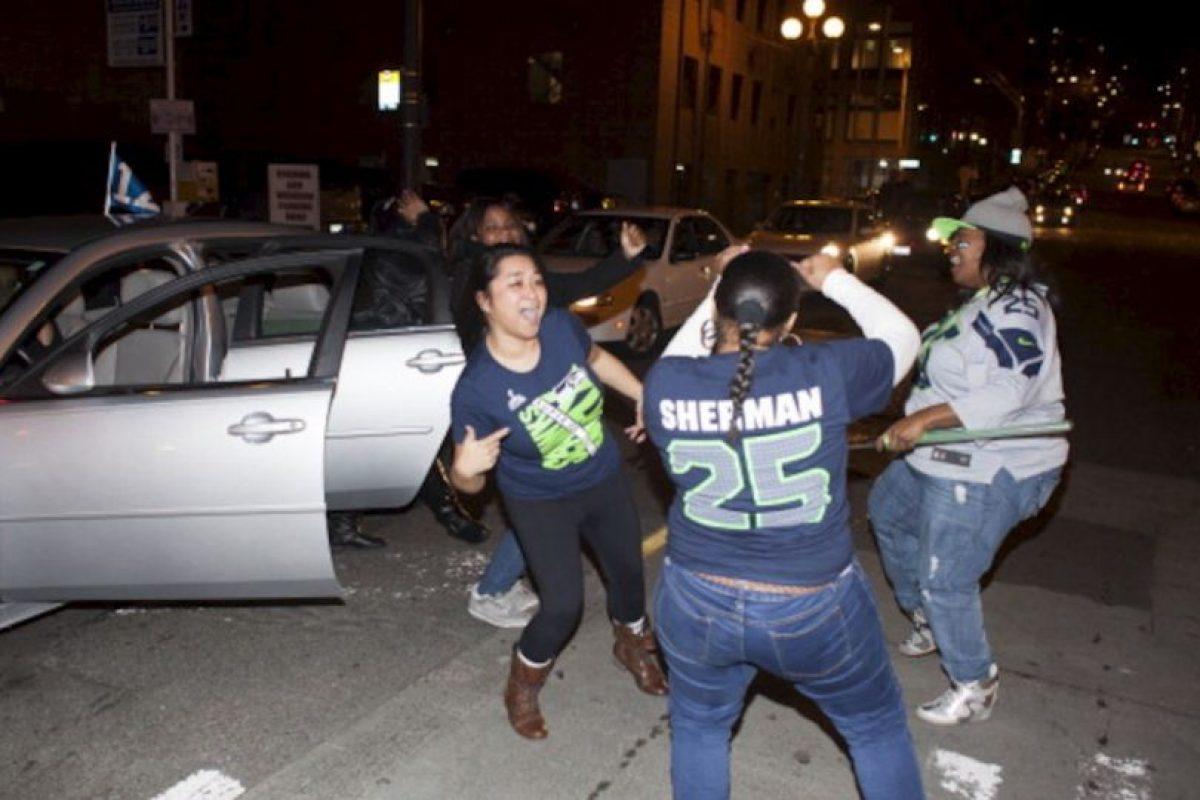 Las celebraciones en Seattle. La gente, feliz. Foto:AFP. Imagen Por: